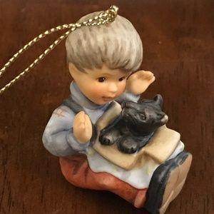 Hummel figurine Christmas ornament vintage